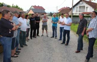 Zbog nedostatka novca odustaje se od asfaltiranja dviju ulica u Vidovcima