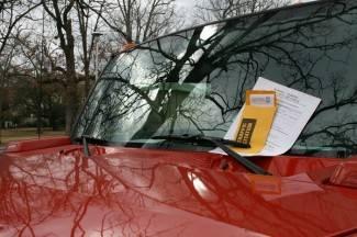 Amerikanka osporila kaznu za parkiranje zbog gramatičke pogreške