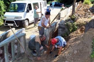 Mještani sami izgradili potporni zid, groblje se neće urušiti