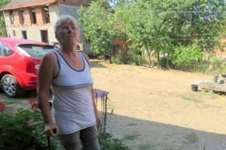 Muškarac pao s krova kuće na glavu, ozlijedio je kralježnicu i rebra