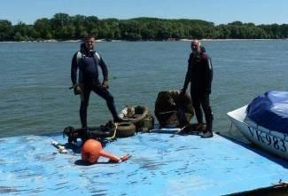 Požeški ronioci čistili Dunav, izvadili 100 kilograma smeća