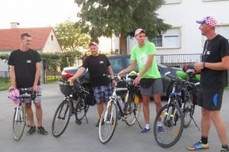 Biciklima do Vatikana i natrag: ¨Izdržat ćemo sigurno, ponijeli smo slavonsku kobasicu¨