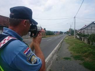 Policija tijekom akcije u prometu zatekla 23 prebrza vozača