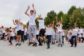 Nastavnici i učenici vježbali zajedno: Hrvatski olimpijski dan u OŠ Dobriše Cesarića