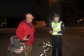 Kontrola biciklista: ¨Znam sve, zet mi je kupio reflektirajući prsluk, ali nisam ga obukla¨