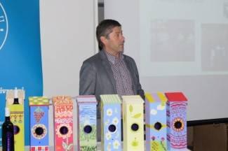 Veleučilište predstavilo kućice za vino: ¨Oslikali su ih učenici Cesarićeve škole¨