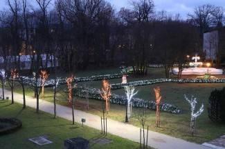 Počinje Miris Božića, upalit će 66.000 lampica u suradnji s obitelji Salaj iz Čazme