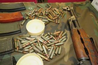 Jednom pronašli oružje u kući, dvojica dobrovoljno predali