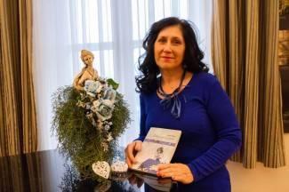 Pjesnikinja Senka Slivar: ¨Ljubav čini čuda, ja sam ju pretočila u stihove¨
