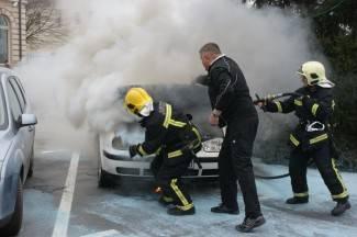 36-godišnjakinji se zapalio auto