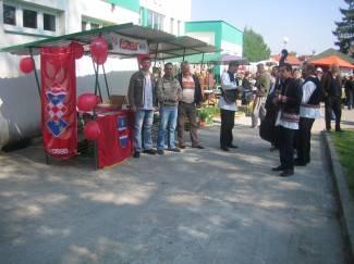 HDSSB postavio štand na pakračkoj tržnici