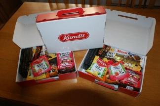Biljana Borzan i Zdravko Ronko poklanjaju slatke božićne pakete