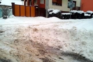 Građani nezadovoljni službama: ¨Plaća li se i danas parking? Nisu počistili ni ispred dječjeg vrtića!¨