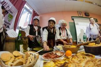 Cesarić u Cesariću: Običaji, nošnje i jela nacionalnih manjina