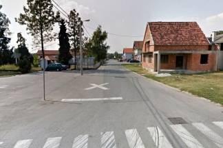Pijani muškarac napao drugog ispred doma u Golobrdcima