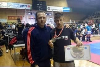 Kickboxer Tomislav Ivčetić osvojio srebrnu medalju u Karlovcu, sudjelovalo 159 klubova iz 21 države