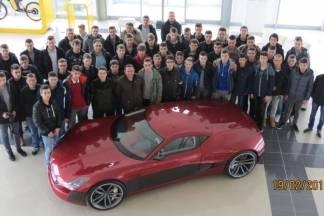 Učenici Tehničke škole na upoznavanju rada elektro-automobila ¨Concept One¨