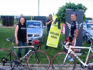 Marijan i Nikola dobili sponzorske bicikle