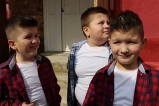 U Treštanovcima jedini đaci braća Marko i Nikola i njihov kum Matija (VIDEO)