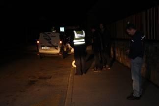 Školski se autobus ¨naslonio¨ na rasvjetni stup i srušio ga