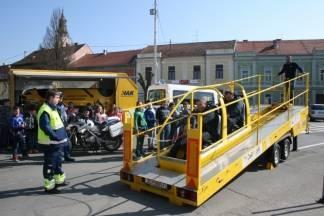Pakračani isprobali simulatore prevrtanja vozila i udarca