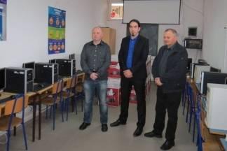 Donirala Općina: Jakšićki učenici informatiku će učiti na 15 novih računala