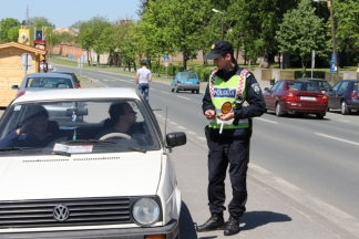 Ludi vikend - vožnja pod utjecajem alkohola, bijeg s prometne nesreće, slijetanje automobila ...