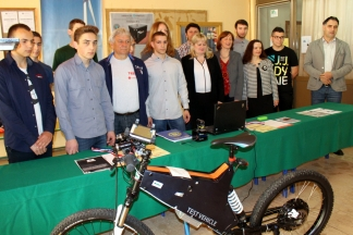 Požeški učenici unaprijedili električni bicikl, solarne panele i snimanje timelapsa (VIDEO)