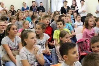 Prava djece: Školarci glasanjem odlučivali koje sprave žele na pleterničkom igralištu (FOTO)