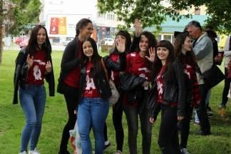 2. požeška norijada: Okupljanje svih maturanta u gradskom parku, 17.5.2016.