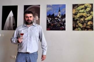 Kroz ¨profesorski¨ objektiv: ¨Fotografija i vino nas vraćaju u neke prošle, ugodne trenutke¨