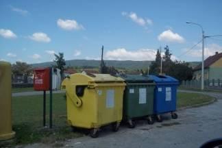 Odstranjeno smeće oko kontejnera u Kutjevu između groblja i stadiona