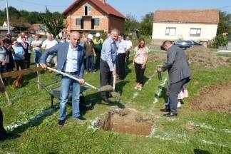 Polaganje kamena temeljca za izgradnju društvenog doma u Radovancima