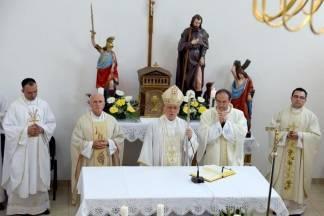Biskup Škvorčević blagoslovio novu crkvu na mjestu razorene u Domovinskom ratu