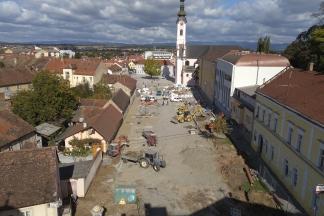 Pogled na gradilište s Kanižlićeve škole