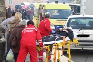 Vozač mopeda prevezen u bolnicu nakon sudara s automobilom