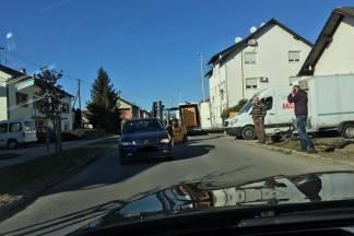 Nezgoda viličara i automobila na Sajmištu