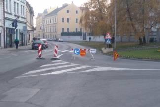 Zbog radova na cesti promet preko Trga sv. Trojstva u smjeru Grabrika nije moguć