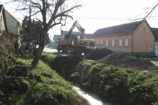 Izmjena cestovnih propusta i sanacija kanala u Kadanovcima