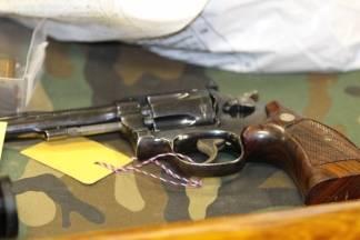 Dragovoljno predali oružje policiji