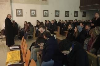 Mladi u Požegi molitvenim bdijenjem dočekali Novu godinu