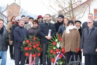 Položeni vijenci i zapaljene svijeće povodom Dana sjećanja na žrtve holokausta