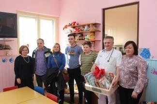 O.Š. Antuna Kanižlića darovala slikovnice Dječjem odjelu Opće županijske bolnice Požega