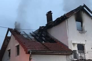 Izgorjelo krovište obiteljske kuće