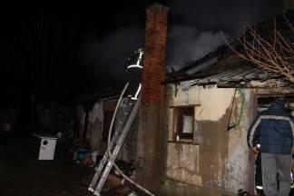 U Staroj Lipi obitelji Momir Pašalić jutros izgorjela kuća