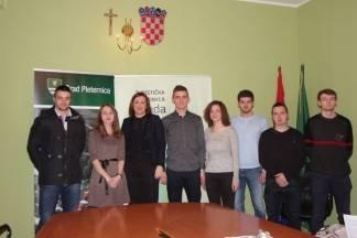 Gradonačelnica Jozić potpisala ugovor sa stipendistima Grada Pleternice