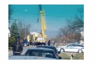 Napokon izvučen kamion iz putnog kanala u kojeg je sletio prije dva dana