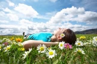 Najviša dnevna temperatura zraka uglavnom između 33 i 38, u unutrašnjosti Dalmacije i do 40 °C