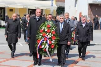 Polaganje vijenaca na Trgu 123. brigade povodom Dana Požeško - slavonske županije