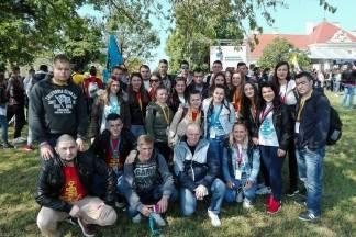 Mladi iz župe sv. Mihaela Arkanđela iz Stražemana u Vukovaru na Susretu katoličke mladeži